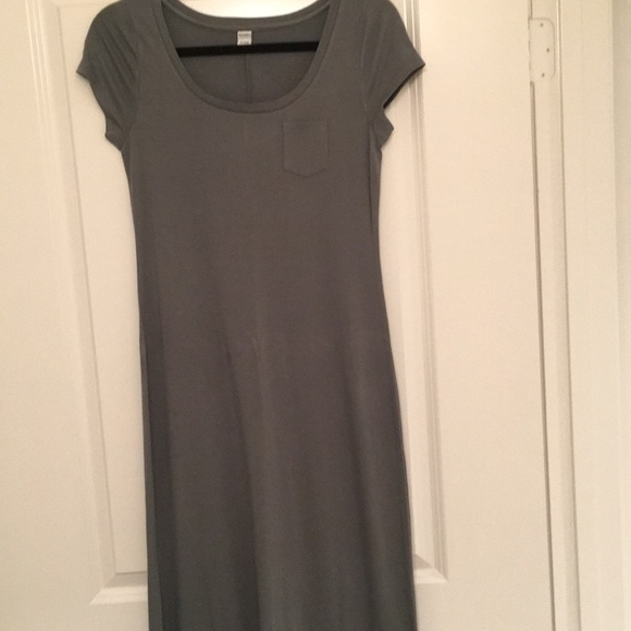 """Dresses & Skirts - maxi dress. I'm 5'3.5"""" tall and hits at my ankle"""